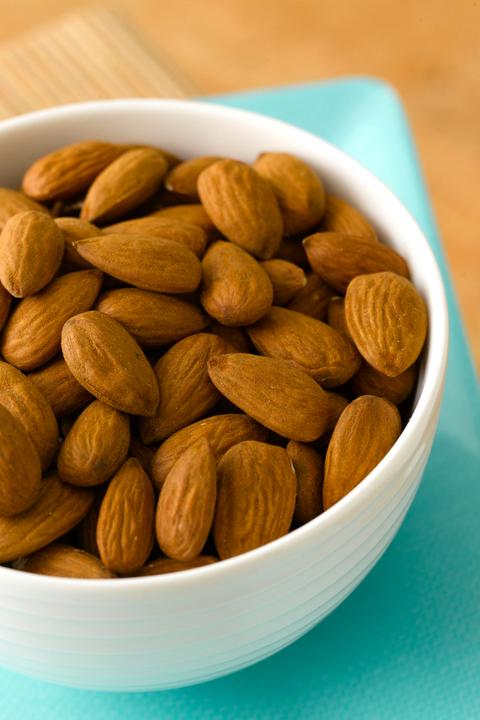Food, Ingredient, Dried fruit, Produce, Nut, Seed, Almond, Nuts & seeds, Superfood, Prunus,