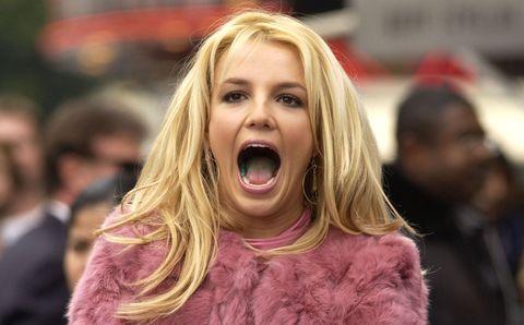 Lip, Mouth, Cheek, Tongue, Tooth, Facial expression, Jaw, Organ, Magenta, Shout,