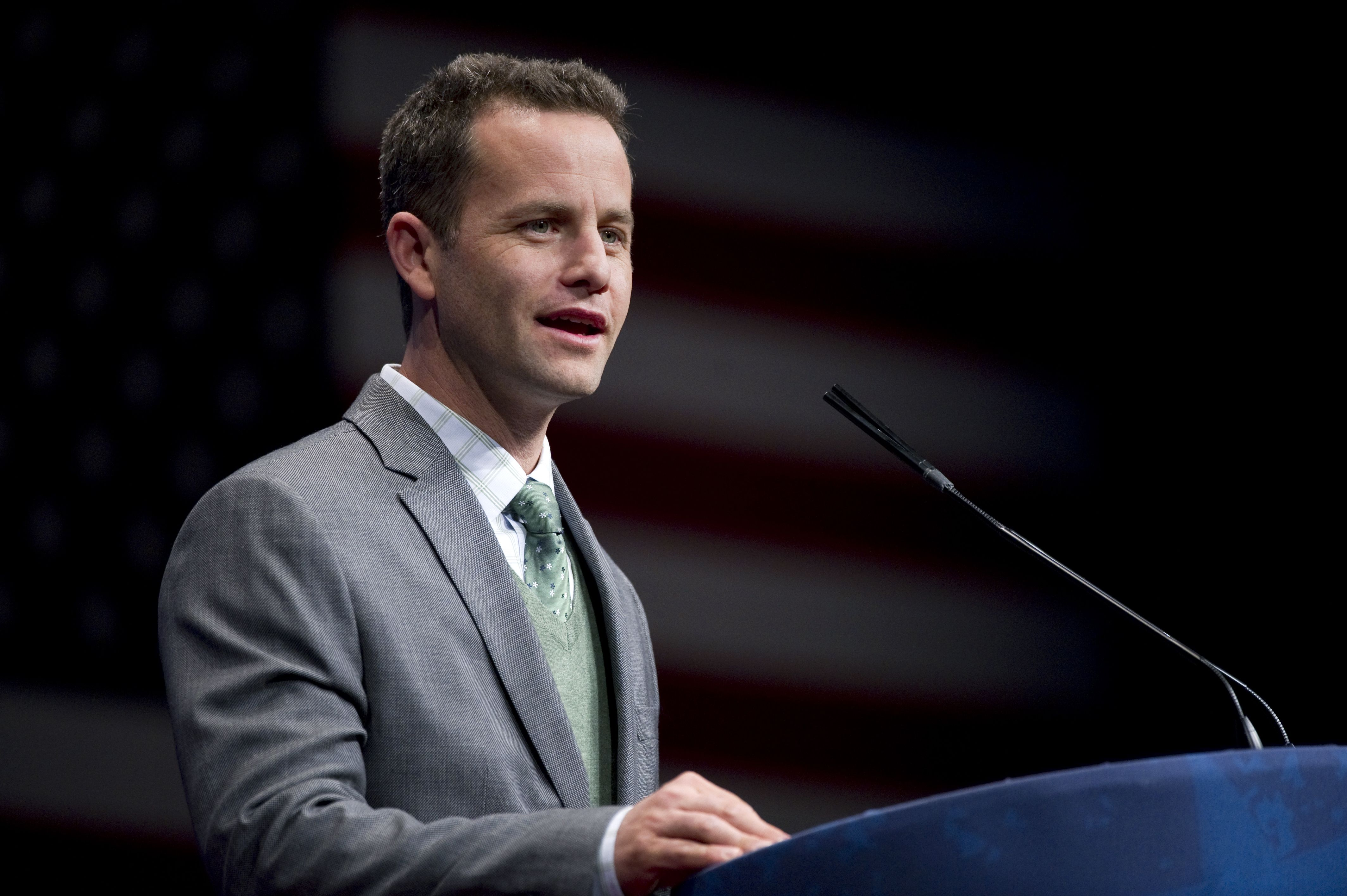 Cool Guy Kirk Cameron Believes Wives Should Be Subservient to Their ...