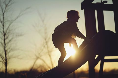 Sunlight, People in nature, Light, Sitting, Backlighting, Knee, Heat, Silhouette, Balance,