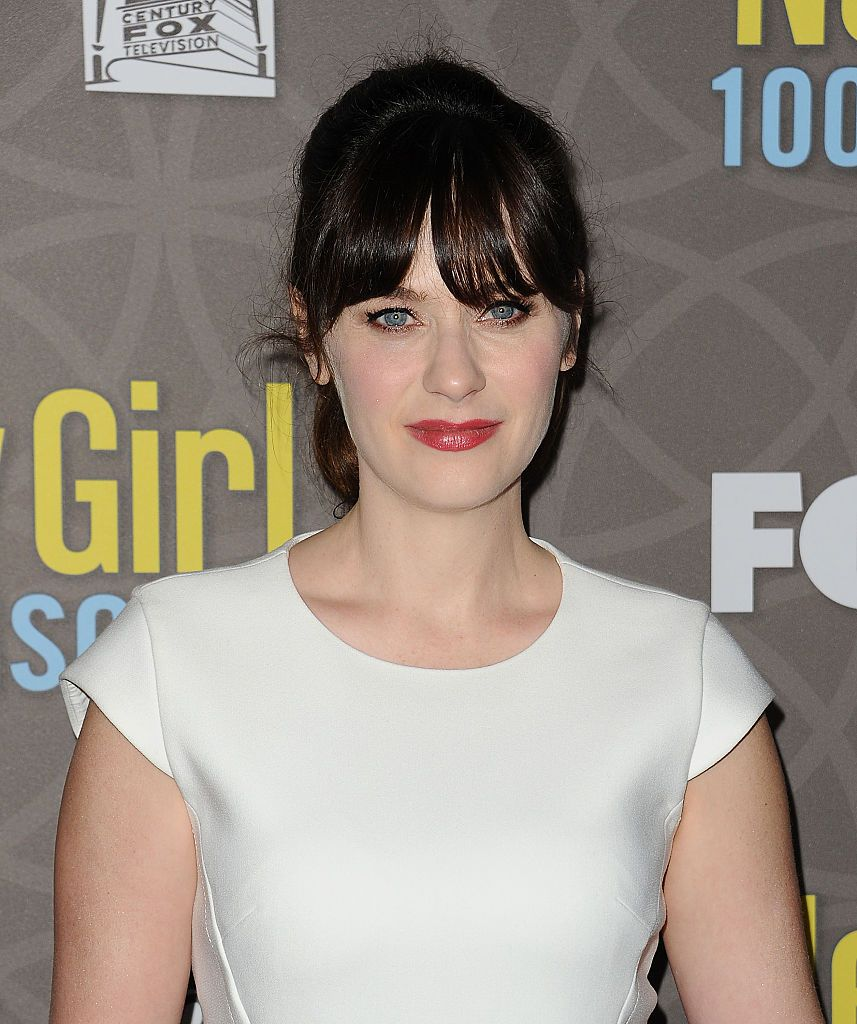 18 celebrity hairstyles with bangs how to style hair with bangs urmus Gallery