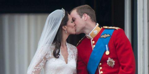 Clothing, Ear, Bridal veil, Hairstyle, Bridal clothing, Dress, Veil, Photograph, Coat, Bride,