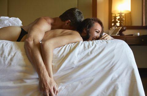 Comfort, Shoulder, Elbow, Bed, Linens, Bedding, Wrist, Black hair, Bed sheet, Back,