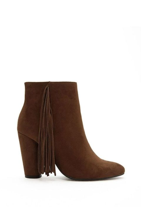"<p>$39.90; <a href=""http://www.forever21.com/Product/Product.aspx?BR=f21&Category=shoes_boots&ProductID=2000165474&VariantID="" target=""_blank"">Forever21</a></p>"