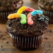 Cupcake, Buttercream, Cake decorating, Icing, Food, Cake, Dessert, Baking, Muffin, Baking cup,