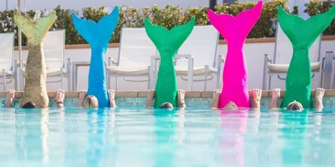 Liquid, Aqua, Swimming pool, Turquoise, Teal, Reflection, Water feature, Plastic,