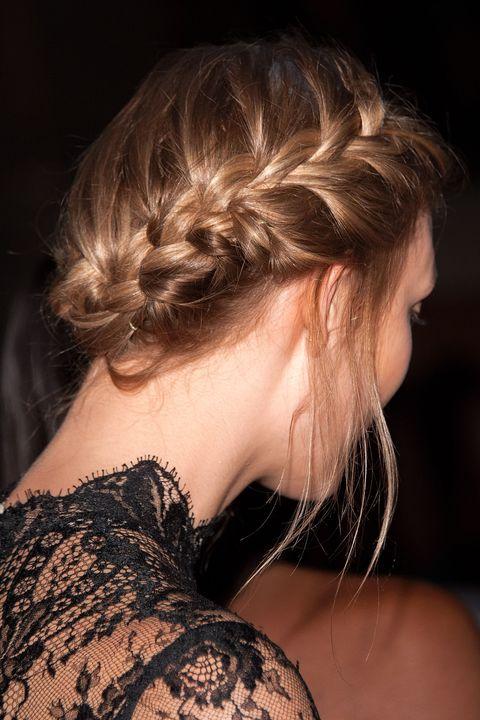 Hairstyle, Shoulder, Style, Beauty, Brown hair, Neck, Eyelash, Hair coloring, Blond, Long hair,