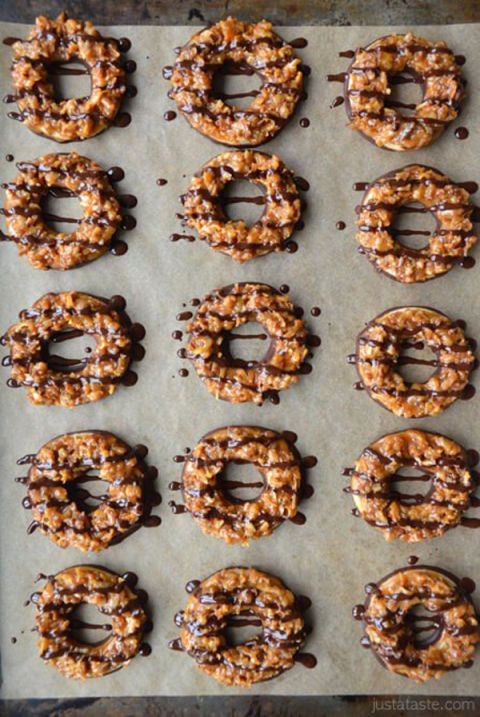 "<p>Everyone knows the chocolatey, coconutty, caramel-striped Samoa is the queen of Girl Scout cookies. Let's see what happens when you try to make them at home.</p><p><a href=""http://www.justataste.com/homemade-samoas-girl-scout-cookies-recipe/""></a></p><p><em><a href=""http://www.justataste.com/homemade-samoas-girl-scout-cookies-recipe/"">Get the recipe from Just a Taste »</a></em></p>"