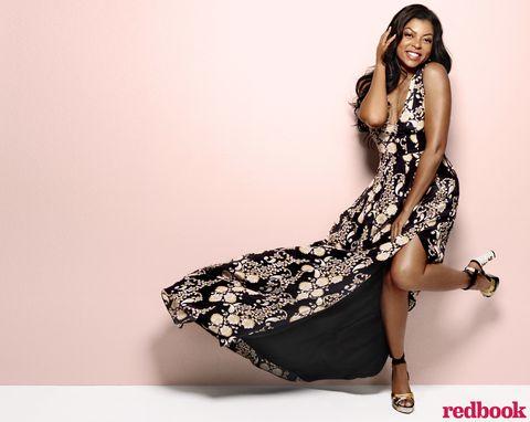 Leg, Sleeve, Human leg, Dress, Shoulder, Shoe, Joint, Sitting, Style, One-piece garment,
