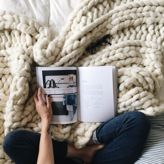 Colorways Gallery Chunky Knit Blanket