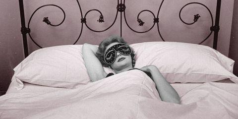 Eyewear, Vision care, Comfort, Room, Bedding, Linens, Iron, Bed sheet, Photography, Metal,