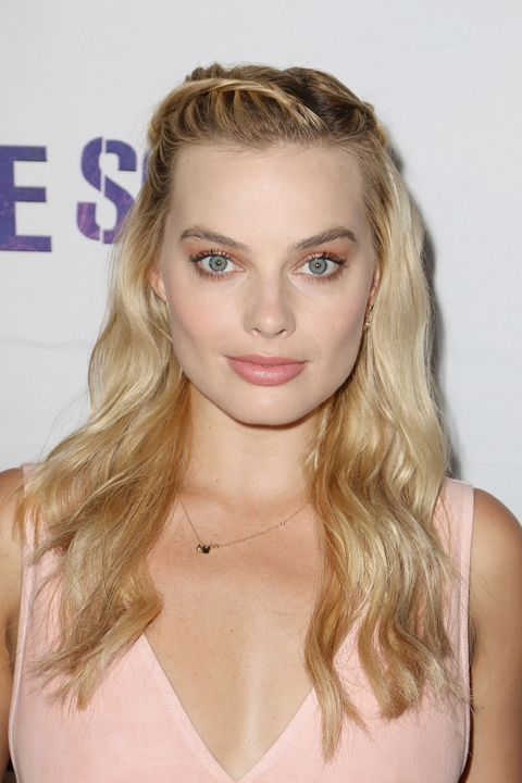 long hair side styles 10 ways to style side bangs that don t look awkward 2892 | 1475677886 margot robbie bangs.jpg?crop=1