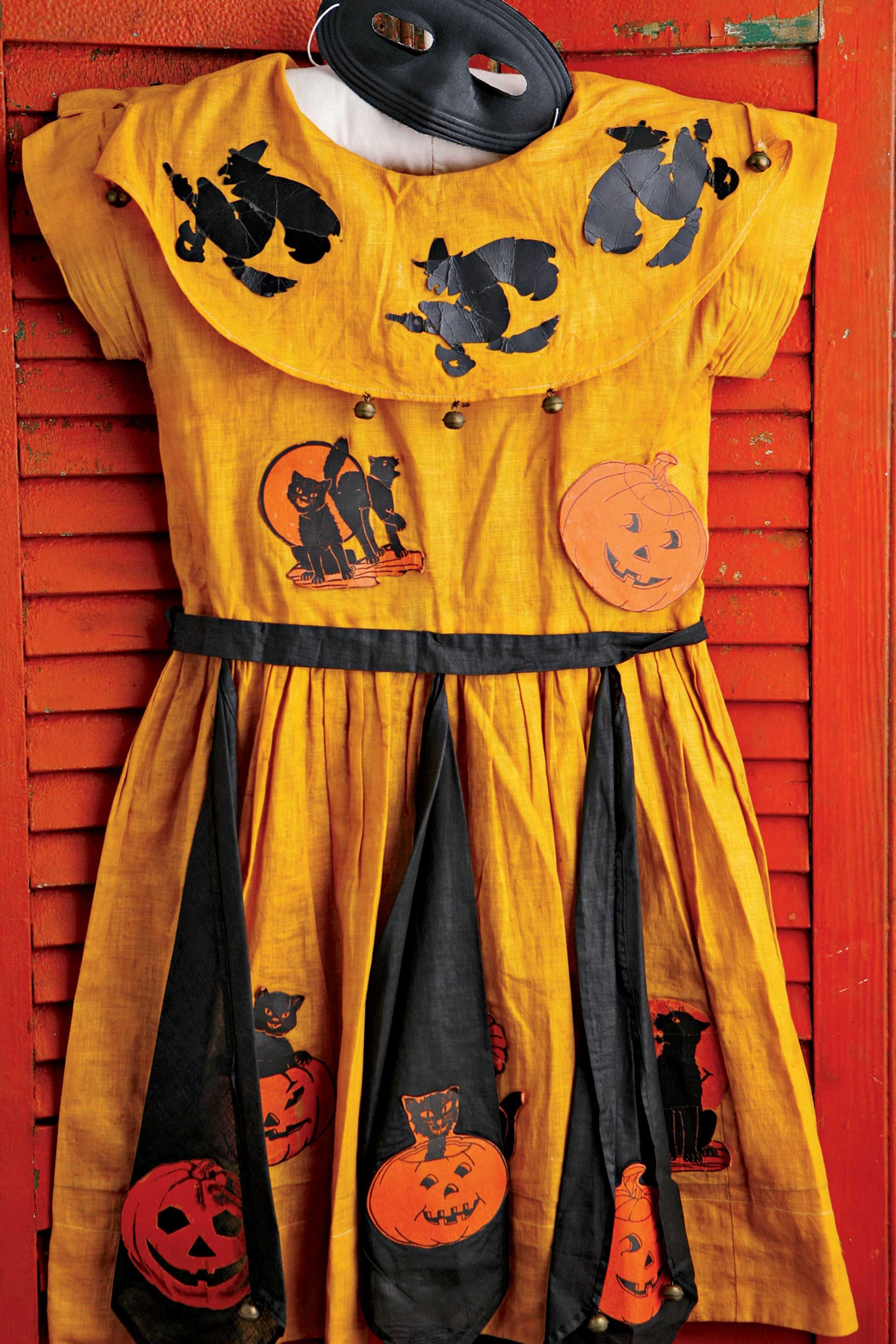 "<p>Prior to the late&nbsp&#x3B;1940s, Halloween costumes, like this circa 1917 frock, were&nbsp&#x3B;homemade. These days, the market&nbsp&#x3B;prices can start&nbsp&#x3B;at $75 for basic vintage costumes in mint&nbsp&#x3B;condition and go as high as $1,500&nbsp&#x3B;for ones based on cartoon characters, television&nbsp&#x3B;stars, or political subjects.&nbsp&#x3B;</p><p><span data-redactor-tag=""span"" data-verified=""redactor""></span></p>"