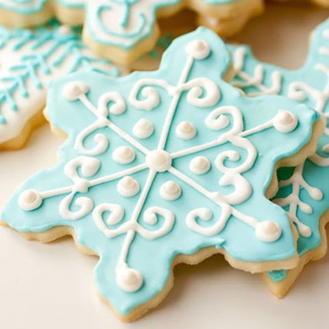 14 Snowflake Cookies That Look Almost Too Pretty To Eat