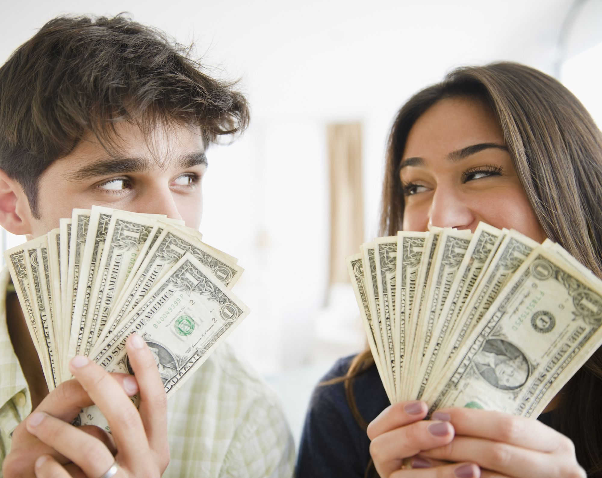 6 Money-Saving Mantras Financial Experts Swear Will Get You Through Any Problem advise