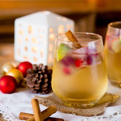 Drink, Alcoholic beverage, Ingredient, Tableware, Liquid, Barware, Drinkware, Produce, Highball glass, Distilled beverage,