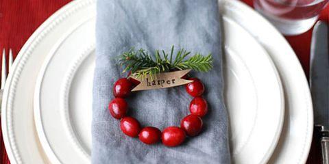 DIY Mini Cranberry Wreath Place Cards
