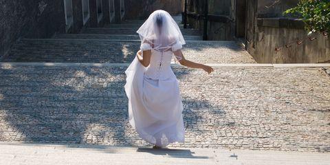 Dress, Textile, Wedding dress, Gown, Veil, Bridal veil, Bride, Street fashion, Bridal clothing, One-piece garment,