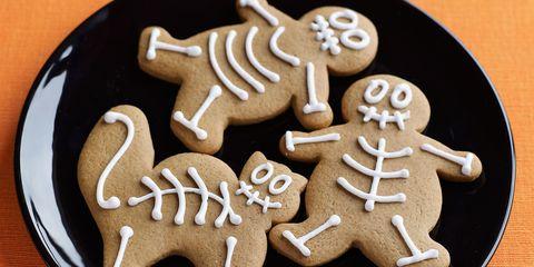 Finger food, Food, Baked goods, Biscuit, Dessert, Cookies and crackers, Cookie, Bredele, Gingerbread, Ingredient,