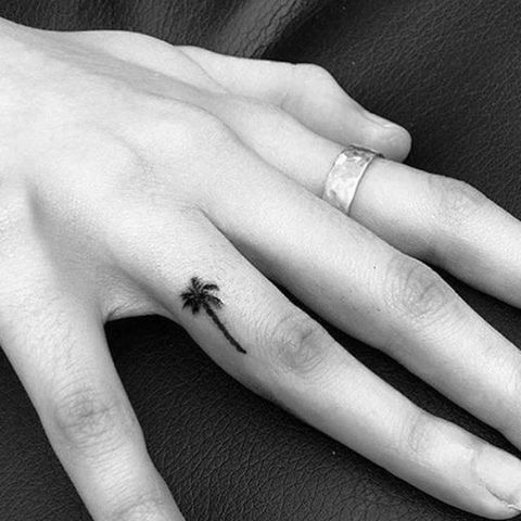 84d9673e2d1ac 65 Small Tattoos for Women - Tiny Tattoo Design Ideas