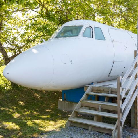 Airplane House - St Michel Chef Chef, France