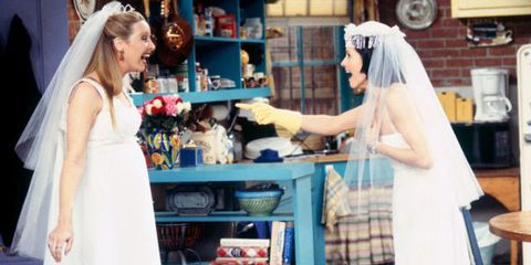 14 Times Monica From Friends Wore The Most Inappropriate Cleaning