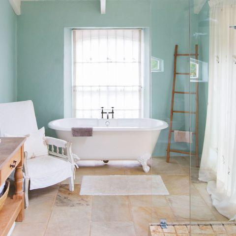 Bathroom, Room, Tile, Bathtub, Property, Floor, Interior design, Wall, Furniture, House,