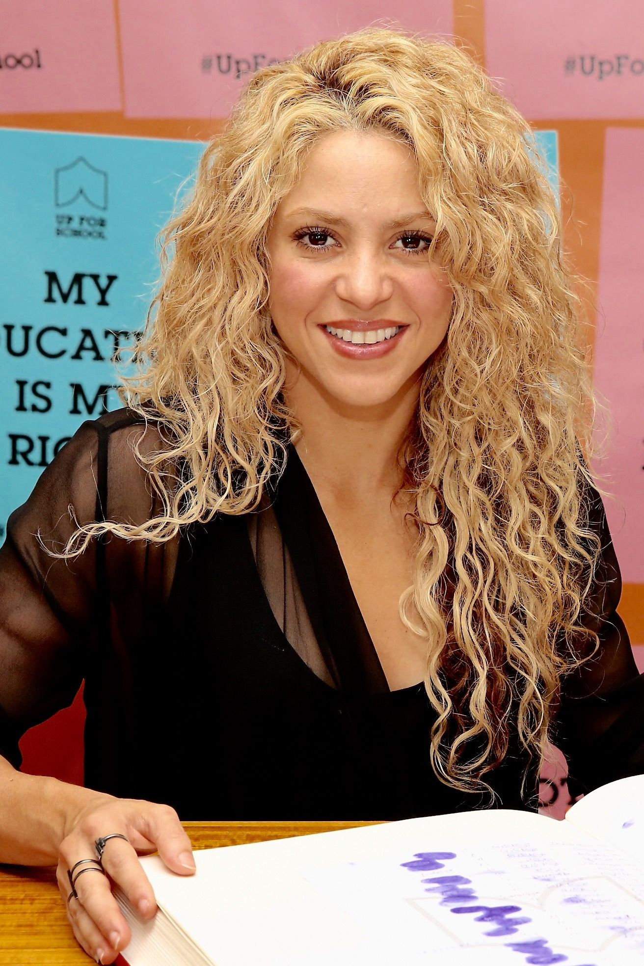 shakira hair style 42 easy curly hairstyles medium and 5355