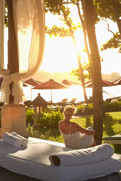 <p>Treat mom to a fancy once-in-a-lifetime spa getaway&nbsp;—&nbsp;no one deserves to kick back and relax more than her! Plus, you'll enjoy the down time, too.</p>