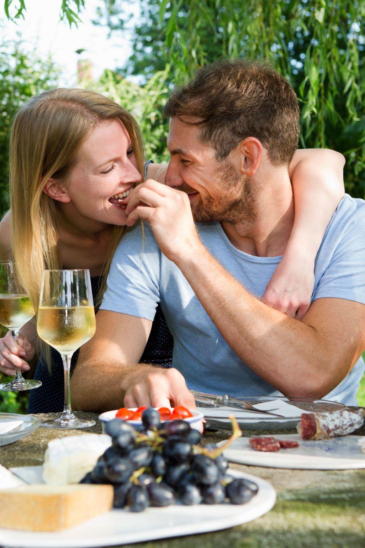 Summer dating tips