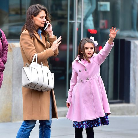 <p>The mother-daughter duo even hail taxis the same way, as per this paparazzi photo of them&nbsp;in the Meat Packing District in NYC.</p>