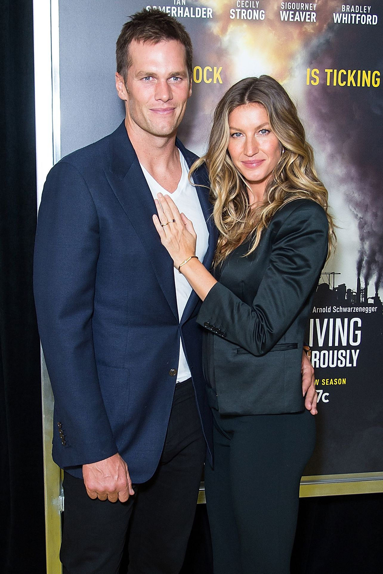 Tom Brady and Gisele Bundchen It's not too strange that a hunky NFL player and a gorgeous former Victoria's Secret Angel both have similarly flawless bone structure and skin. But their coloring is also close enough that the married pair and parents of two could easily pass for siblings.