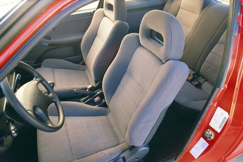 Land vehicle, Vehicle, Car, Car seat cover, Car seat, Vehicle door, Mode of transport, Seat belt, Steering wheel, Steering part,