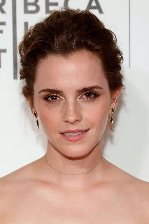 "<p>The&nbsp;<em data-verified=""redactor"" data-redactor-tag=""em""><a href=""http://www.redbookmag.com/body/health-fitness/news/g4185/what-emma-watson-eats/"" target=""_blank"" data-tracking-id=""recirc-text-link"">Beauty and the Beast</a>&nbsp;</em><span class=""redactor-invisible-space"" data-verified=""redactor"" data-redactor-tag=""span"" data-redactor-class=""redactor-invisible-space"">star, who seems to like&nbsp;wearing her hair a&nbsp;shorter length,&nbsp;</span>complements her dark brown hue with copper-esque overtones.&nbsp;&nbsp;</p>"