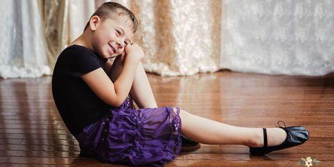 Beauty, Leg, Child, Arm, Sitting, Floor, Footwear, Photography, Flooring, Wood flooring,