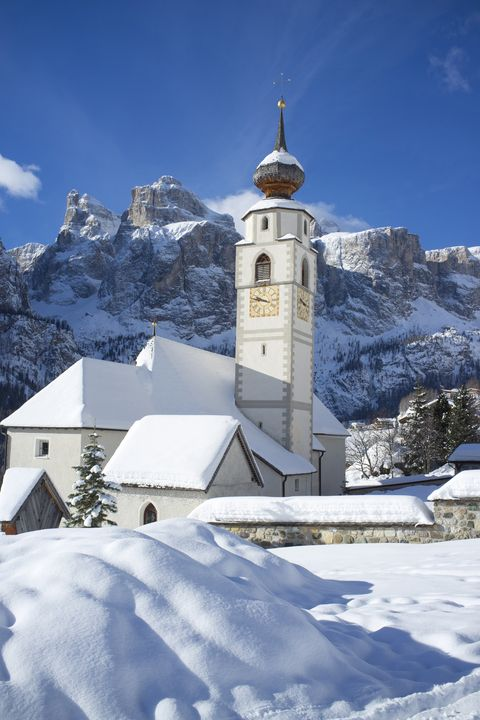<p>A small mountain village in the northern Italy, Calfosch is popular with skiers looking to gain easy access to the Dolomites' downhill runs. </p>