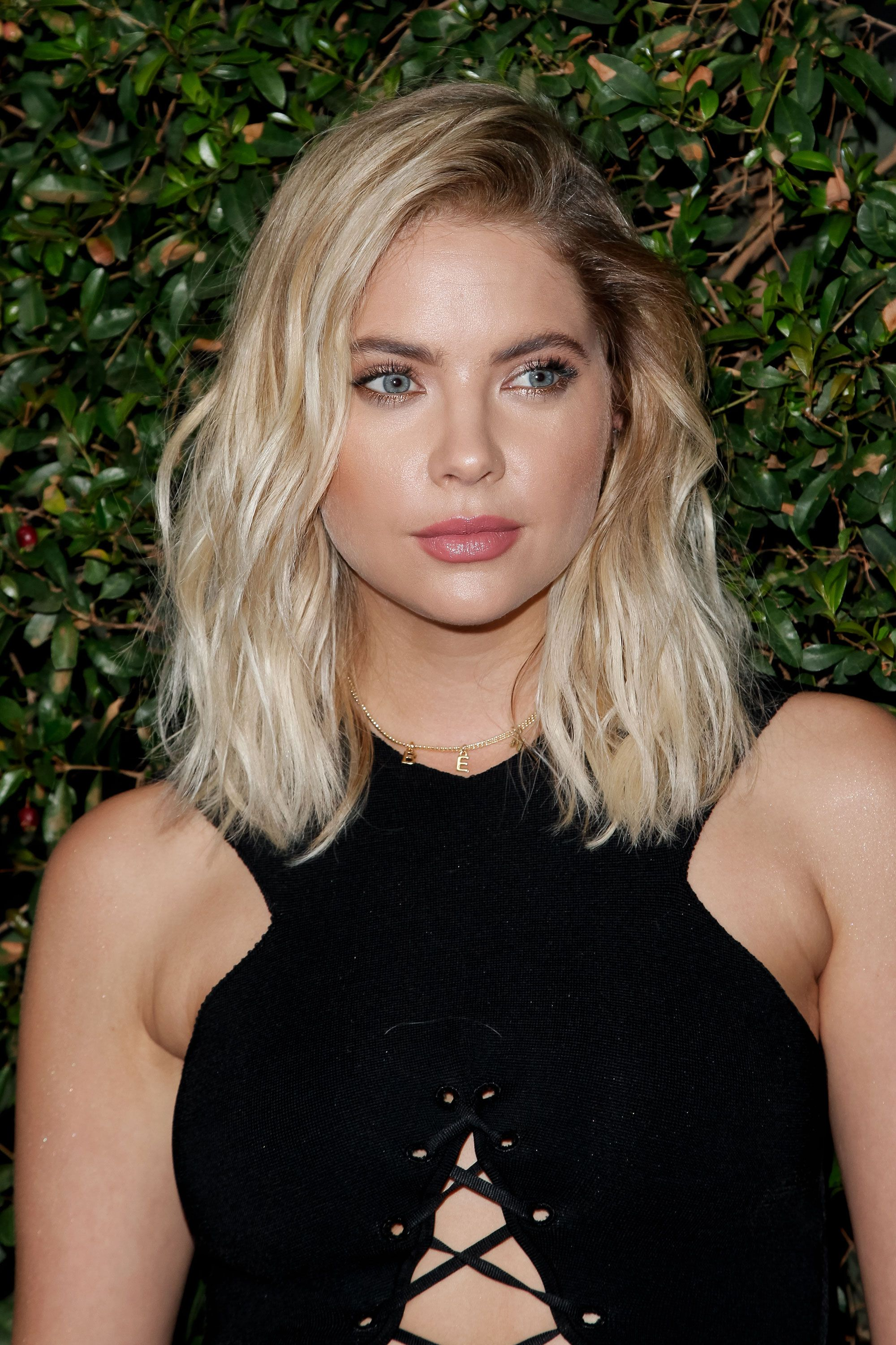 16 Ash Blonde Hair Color Ideas Ash Blonde Celebrity Hairstyles