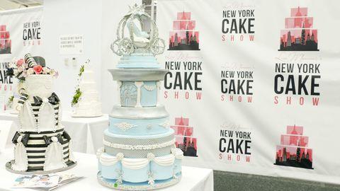 New York Cake Show Horizontal Blue