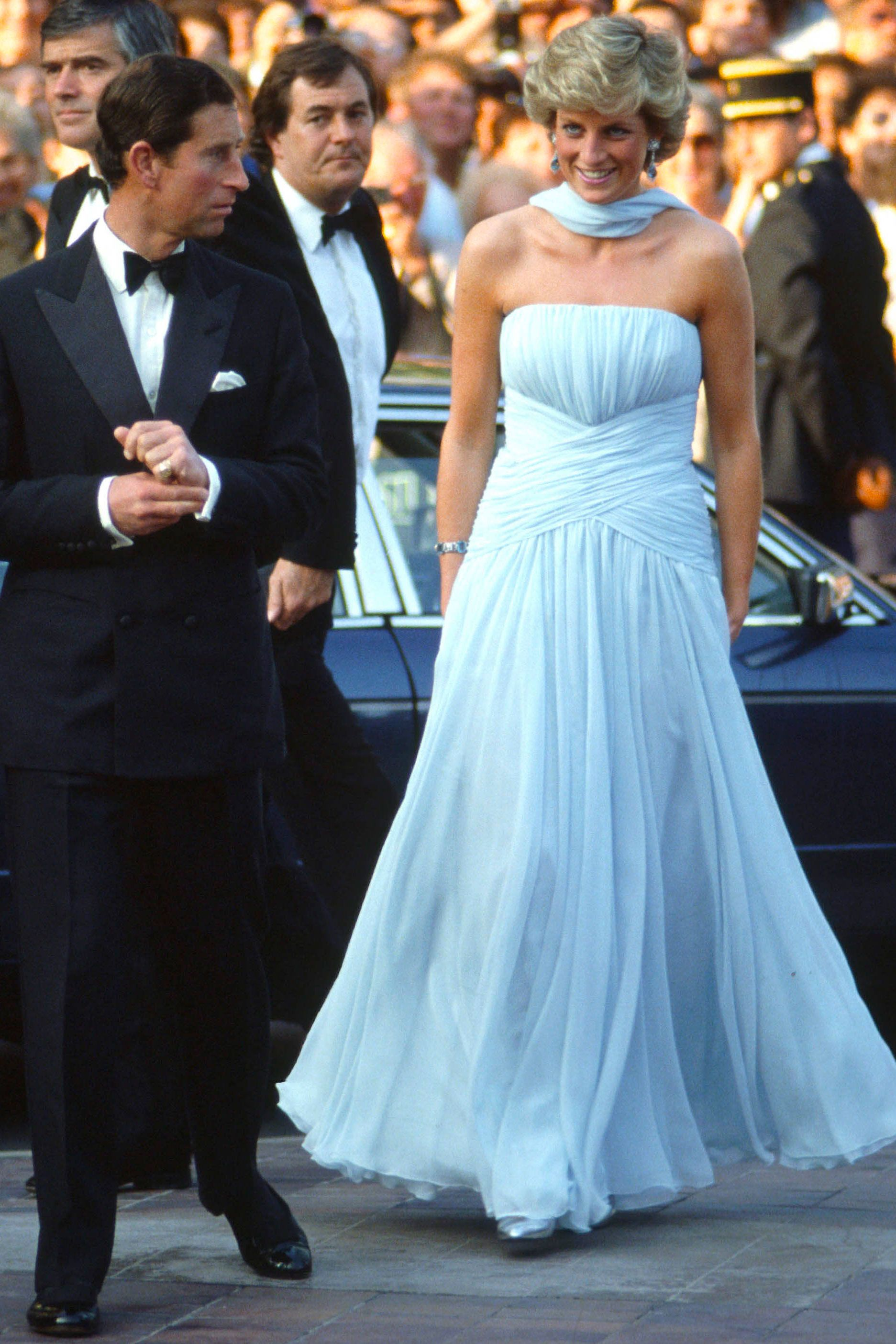 Princess Diana\'s Most Iconic Looks - The Famous Fashion of Princess ...
