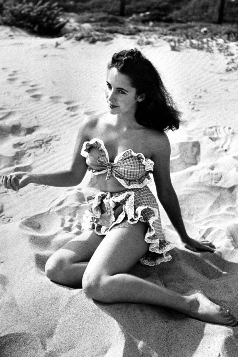 A young liz taylor posing nude