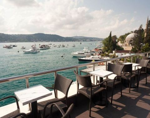<p>No, this isn't a rooftop bar — it's a rooftop Starbucks. How jealous are you? The stunning views at this location make it necessary to add to your Starbucks bucket list immediately. </p>