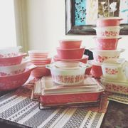 Pink, Product, Beauty, Dishware, Tableware, Room, Porcelain, Serveware, Shelf, Material property,
