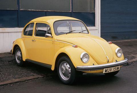 Land vehicle, Vehicle, Car, Motor vehicle, Yellow, Classic car, Volkswagen beetle, Classic, Antique car, Vintage car,