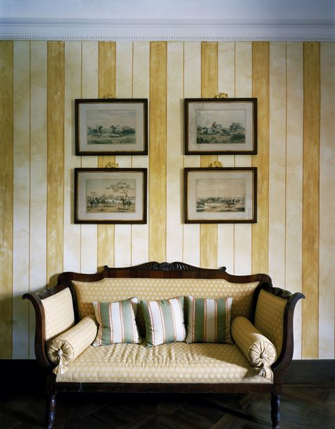 "<p>Chances are, your host/hostess is doing just fine <a href=""http://www.elledecor.com/design-decorate/interior-designers/advice/g2833/christmas-decorating-ideas/"" target=""_blank"" data-tracking-id=""recirc-text-link"">decorating the home</a> on their own. ""Anything that might be considered decor is not a good idea unless it's for a close friend, in which case you have a good handle on their taste,"" says Blum. ""Avoid art of any form."" </p>"