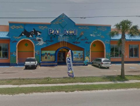 "<p> The Palace clothing shop in Port Aransas before Hurricane Harvey.<span class=""redactor-invisible-space"" data-verified=""redactor"" data-redactor-tag=""span"" data-redactor-class=""redactor-invisible-space""></span></p>"