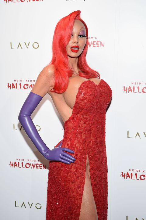 <p>Heidi Klum spent hours putting on makeup to make herself look just like Jessica Rabbit for her 2015 Halloween party.</p>