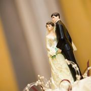 2000 wedding cake