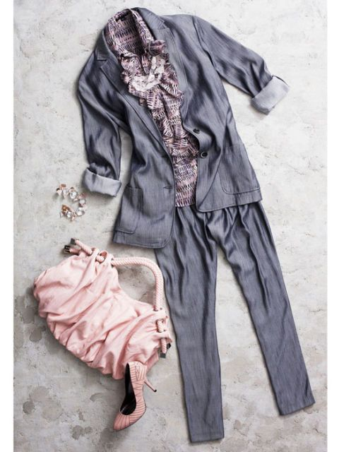 gray blazer and pants with pink purse