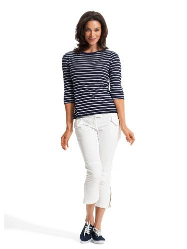 striped tee with white guess capris