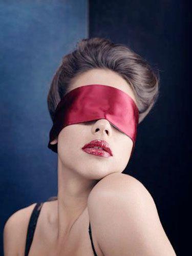 having sex blindfolded